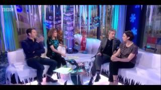 Video Martin Freeman and Amanda Abbington interview - The One Show - 19th December 2013 download MP3, 3GP, MP4, WEBM, AVI, FLV Desember 2017