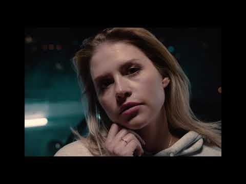 UNIATOWSKI - Każdemu wolno kochać (Official Video) from YouTube · Duration:  3 minutes 22 seconds