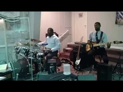Bladensburg SDA Praise Team - I Give...
