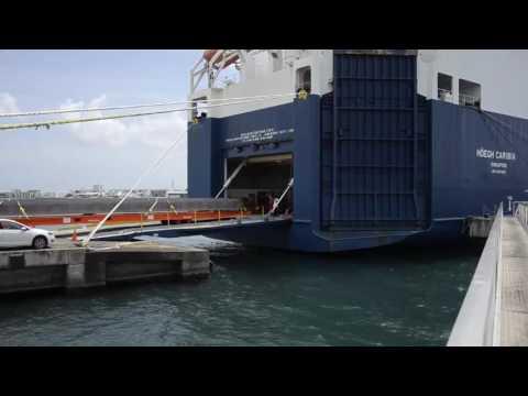 Loading Breakbulk On Höegh Caribia