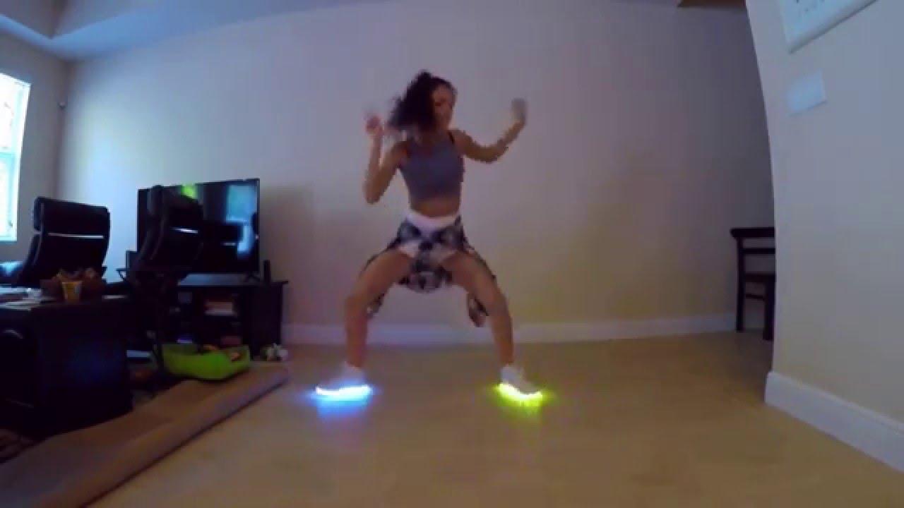 Новинка!!! Светящиеся кроссовки Фаберлик со светодиодами! - YouTube