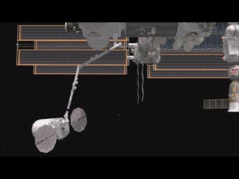 Canadarm2 catches the Cygnus resupply spacecraft