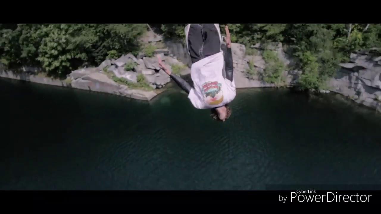 Красивые прыжки с высоты в  воду и игры с огнём