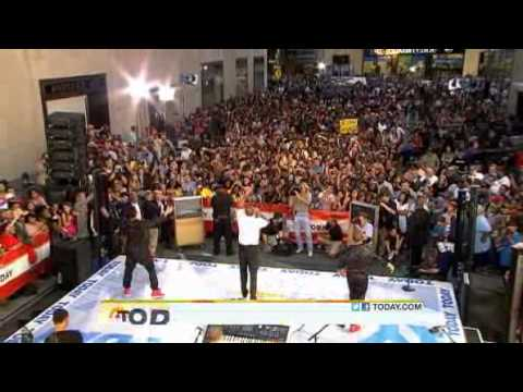 Chris Brown Performs Yeah 3x On The Today Show's Concert Series 2011 (HQ Video)