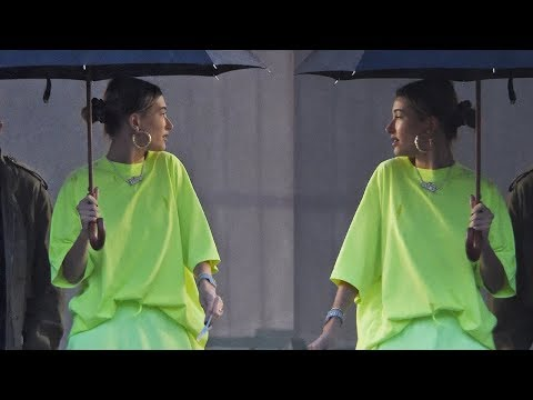 Hailey Baldwin STEALS Selena Gomez's Look by Wearing SAME T Shirt!. http://bit.ly/2Z6ay3A