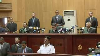 أحكام بالسجن لمرسي والإعدام لآخرين