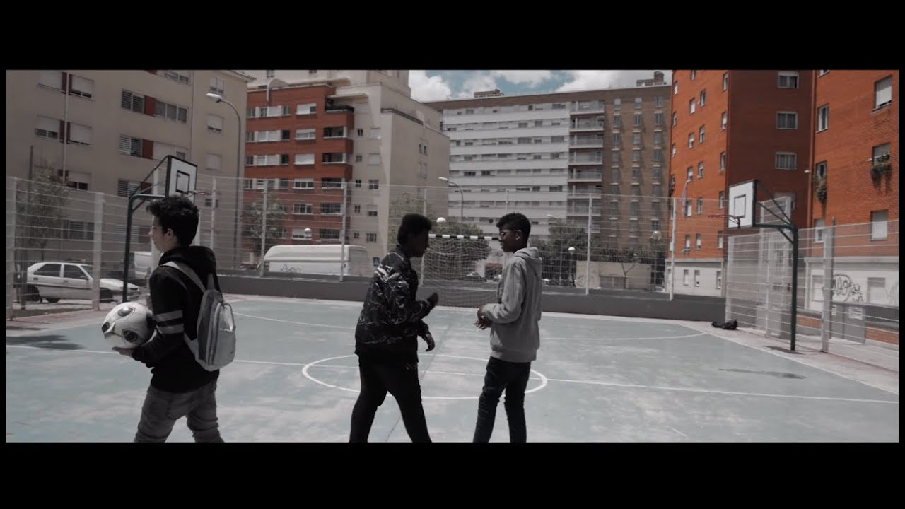 Download Estraca- Sociedade (Official Music Video)
