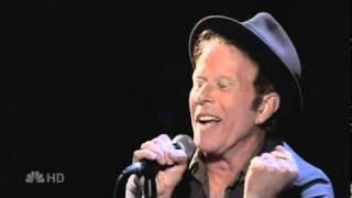 Tom Waits - Lucinda / Ain't Going Down [live on TV]