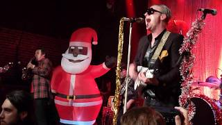 """Spike & Jamin from Uke-Hunt """"Movin Out"""" Me First Gimme Gimmes Xmas show @ Slim's SF 12/13/19 live"""