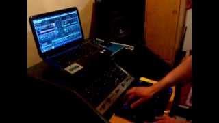 DJ LAZZA-(Demostración)-MIX-Hercules dj control air+ Traktor scratch pro 2_