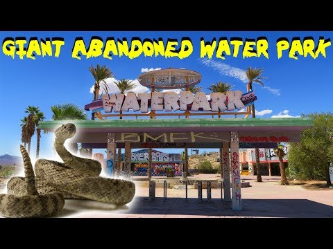 RATTLE SNAKE vs ABANDONED WATER PARK IN THE DESERT!