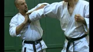 Приёмы борьбы в карате(Видео рассказывает о борцовской технике в карате., 2014-11-19T18:39:56.000Z)