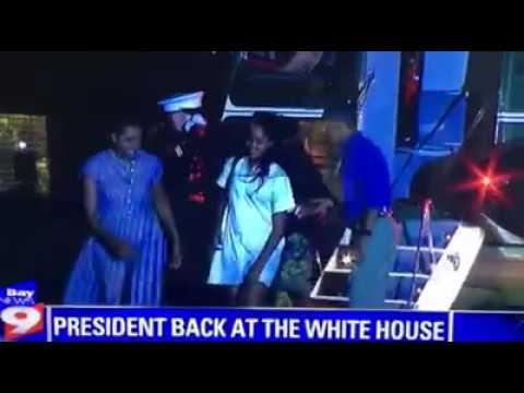 Obama does it again - forgets to salute Marines