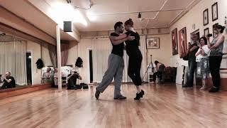 Tango 201: la media vuelta- half turn w Sacadas