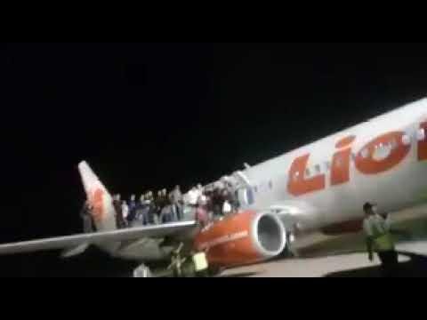 Teriak Ada BOM, Penumpang Lion Air Nekat Lompat dari Sayap