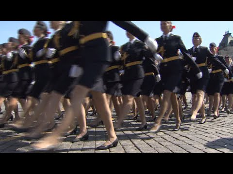Heels Parade: Russian female police officers march on Red Square