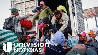 Montados en vehículos y escoltados por la policía, los migrantes de la caravana llegan a Guanajuato