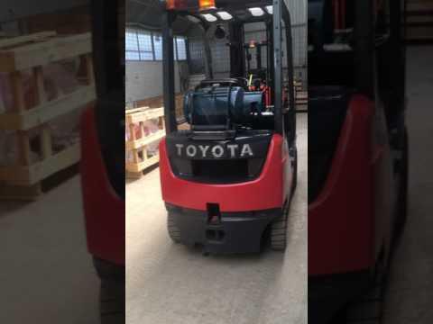 Вилочный погрузчик Toyota 02-8FGF15 Газовый