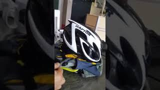 팀버라인 자전거라이딩용 소형배낭 헬멧 착탈법