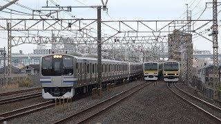 総武快速線を走行する列車を平井駅から撮影しました