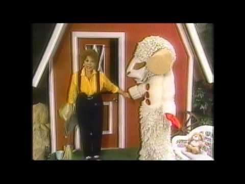 Lamb Chop's Play-Along (1992): Betchas, Tricks And Silly Stunts