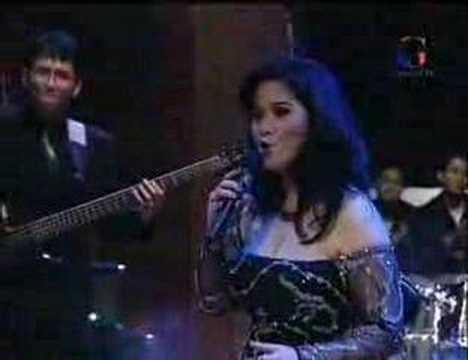 Vina Panduwinata - Medley
