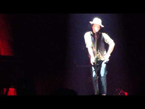 """Bruno Mars """"Our First Time"""" Live Moonshine Jungle Tour Charlotte 2013"""