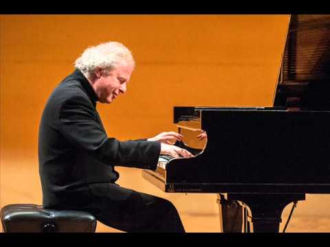Andras Schiff live in Prague 5/2013: Schubert -...