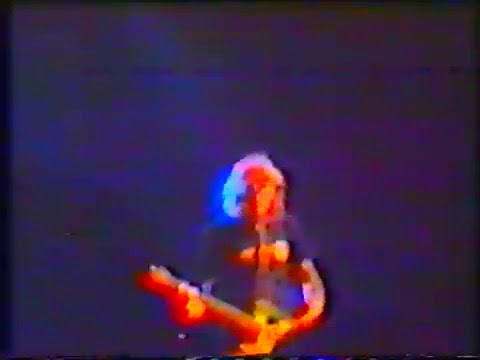 Nirvana @  Selina's, The Coogee Bay Hotel, Sydney, Australia (Feb. 6, 1992) [Full Show - AMT#1]