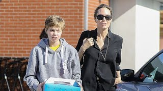 Angelina Jolie Takes Daughter Shiloh To The Pet Store To Buy A Bird! - EXCLUSIVE