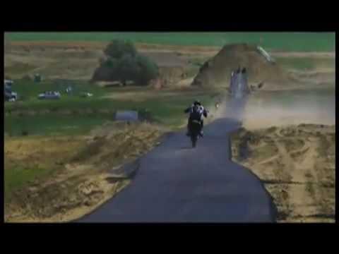 рекордный прыжок на мотоцикле