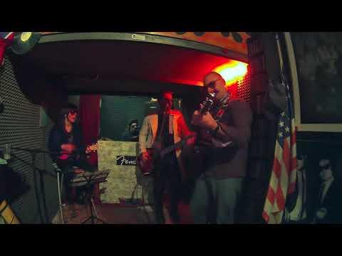 Ukulele Roma ANNI '70 VIDEO Contest 2017: The New Vintage - Svalutation (Adriano Celentano, 1976)