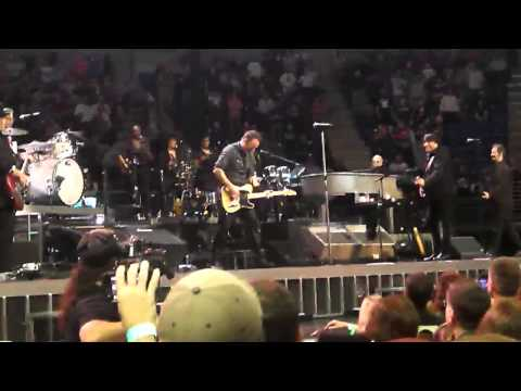 Bruce Springsteen - SHOUT (Isley Brothers) State College, PA 11/1/12