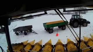 Vlog #3 Żniwa w styczniu? A jednak... New Holland CX8090 i Valtra T133 w zimowej scenerii