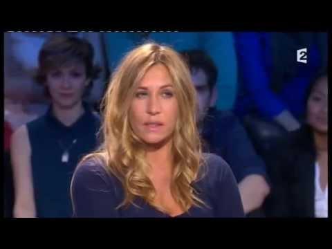 Josiane Balasko et Mathilde Seigner  On n'est pas couché 5 mai 2012 ONPC