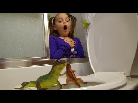 "Poison Lizards In Toilet Plunger Girl Attacks! Part 1 ""Toy Freaks Spatula Style"""