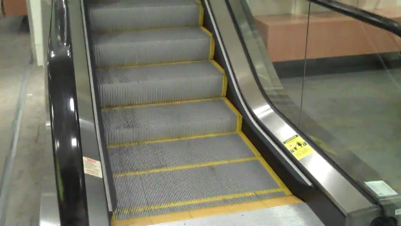 Leominster: KONE Escalators @ Macy's, The Mall at Whitney Field