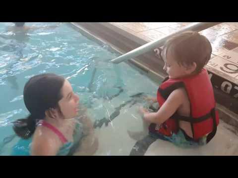 Grand Sheraton Chicago pool