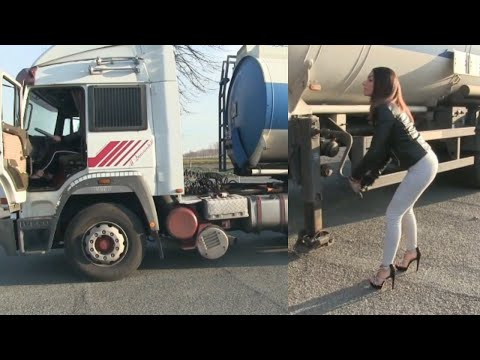 NEW VIDEO !! Miss Amy & Miss Tiffany : truck drivers newly hired ! Trailer Pedal Pumping