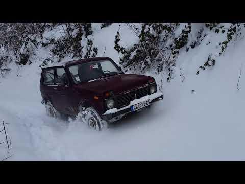 Lada niva + sneg