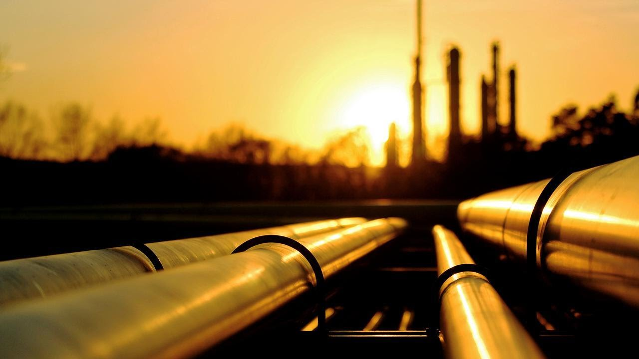 Hedge Funds Were Selling Plains All American Pipeline, L.P. (PAA ...