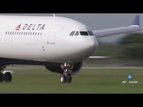 Baby born aboard flight to Honolulu