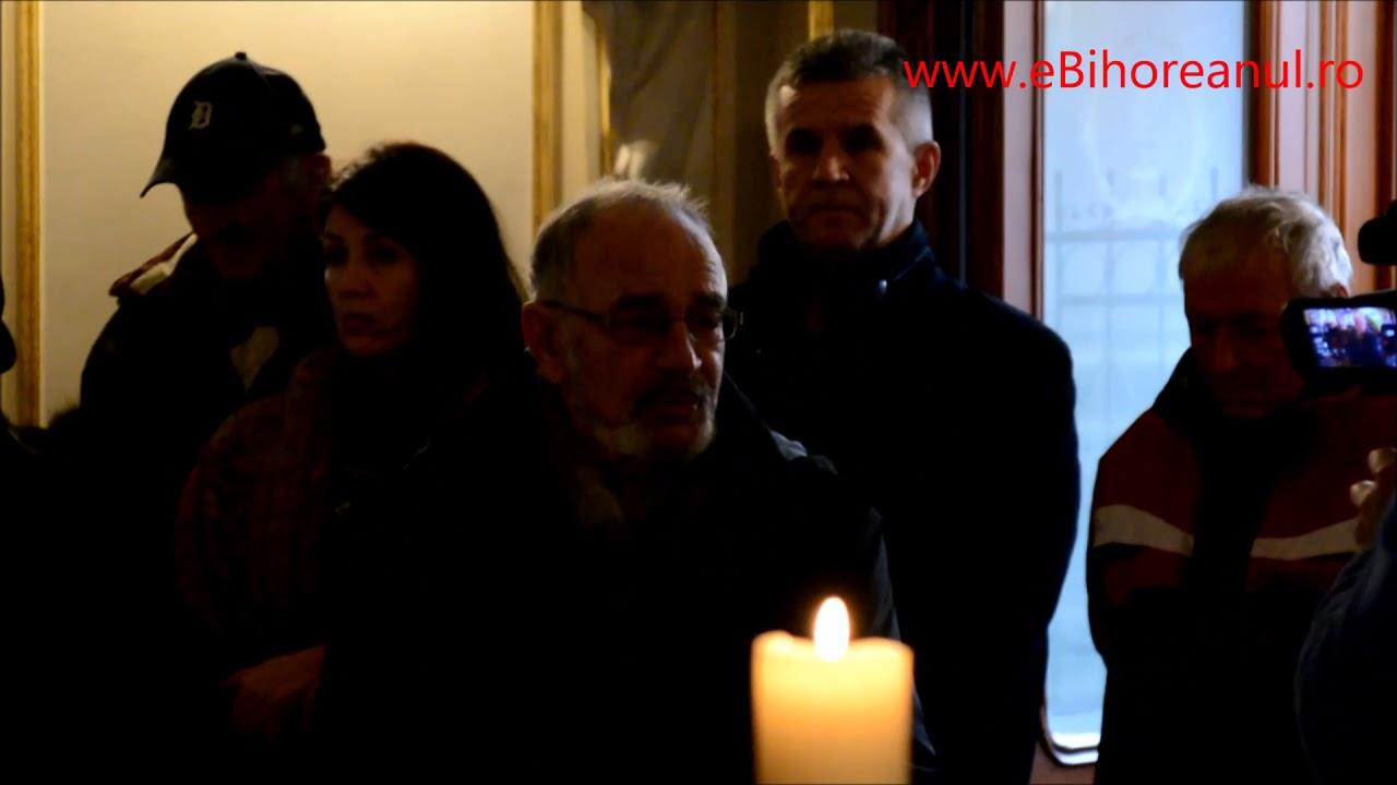 În ropote de aplauze: Actorul Ion Abrudan, omagiat de orădeni în Teatrul Regina Maria