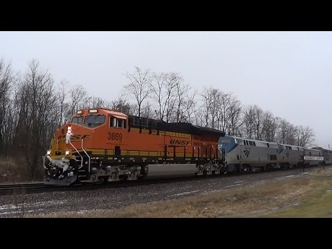 Thumbnail: BNSF Tier 4 Unit Leads the California Zephyr