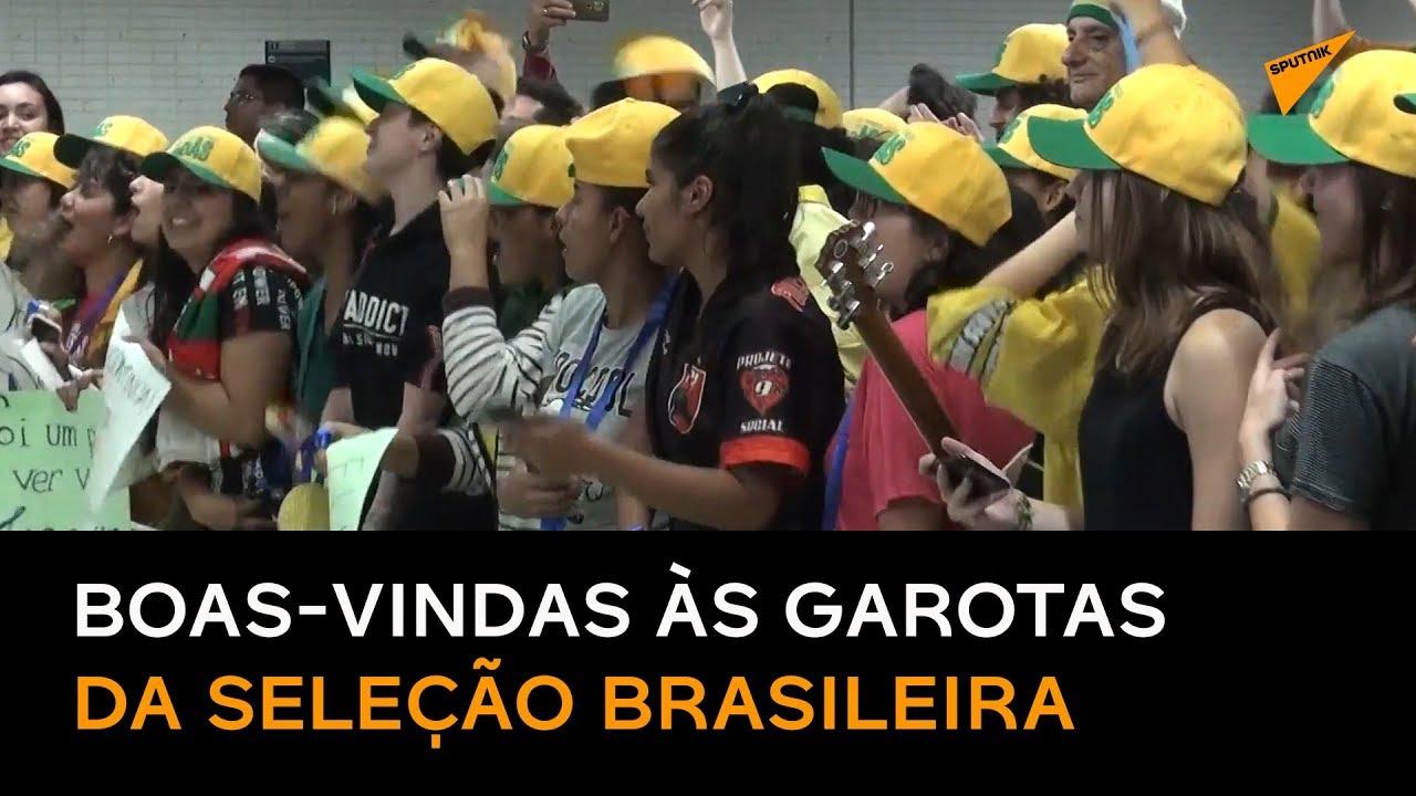 Chegada Da Seleção Brasileira De Futebol Feminino