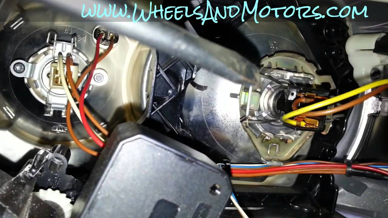 how to replace headlight bulb on audi a6 c6 4f dipped. Black Bedroom Furniture Sets. Home Design Ideas