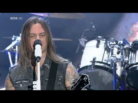 Bullet for My Valentine - Pleasure And Pain (live)
