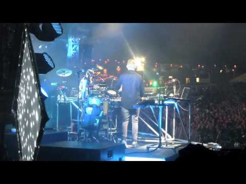 Disclosure from side of stage @ Bestival 2014 (2)