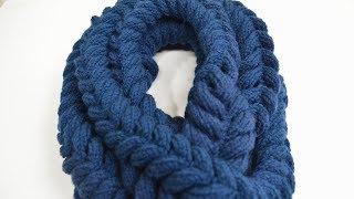 100均のダイソーで購入した毛糸と輪針で、立体的に見えるマフラー(...