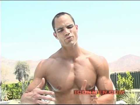 Icon Men - Brian Wade Shoulders Chest and Abs (1)